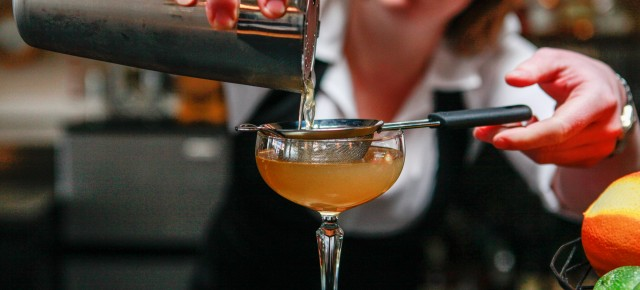 Feature >> Craft Cocktails at Steamers
